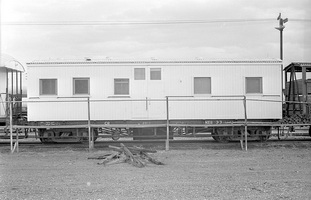 12.1971,Port Augusta - Employees sleeping van NEB33