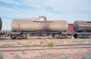 15.5.1981,Maree - tank wagon NTC7966 BP135 BP124 + part tank wagon NTC7905