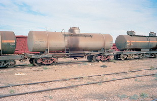 15.5.1981,Maree - tank wagon NTC7905 + part tank wagon NTOA1806
