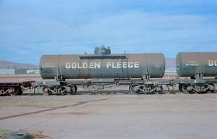 20.4.1980,Alice Springs - tank wagon NTOD7993 Golden Fleece