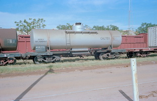 20.4.1980,Alice Springs - tank wagon NTOE1771 Caltex TK352 + part NRN1614