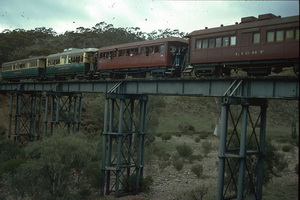 19<sup>th</sup> May 1986,Pichi Richi Railway train on Woolshed flat bridge - cars <em>Wandana</em> +  <em>Lincoln</em> + 74 + <em>Light</em>