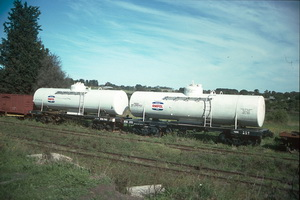 25<sup>th</sup> April 1989,Drysdale CR NTOD7992 + NTOD1772 tank wagons