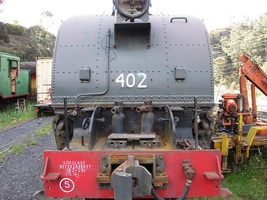 4.11.2009 Lithgow - front shot of 402